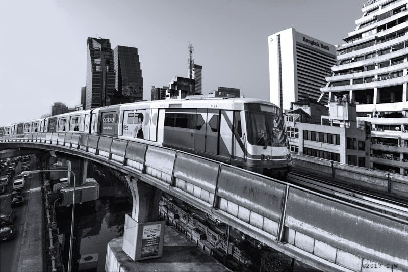 Sky Train approaching Chong Nonsi BTS station