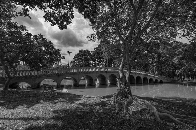 Bridge across the lake at Jatujak Park, Bangkok